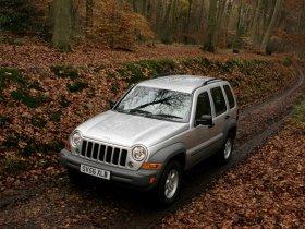 Ver foto 8 de Jeep Cherokee 2005