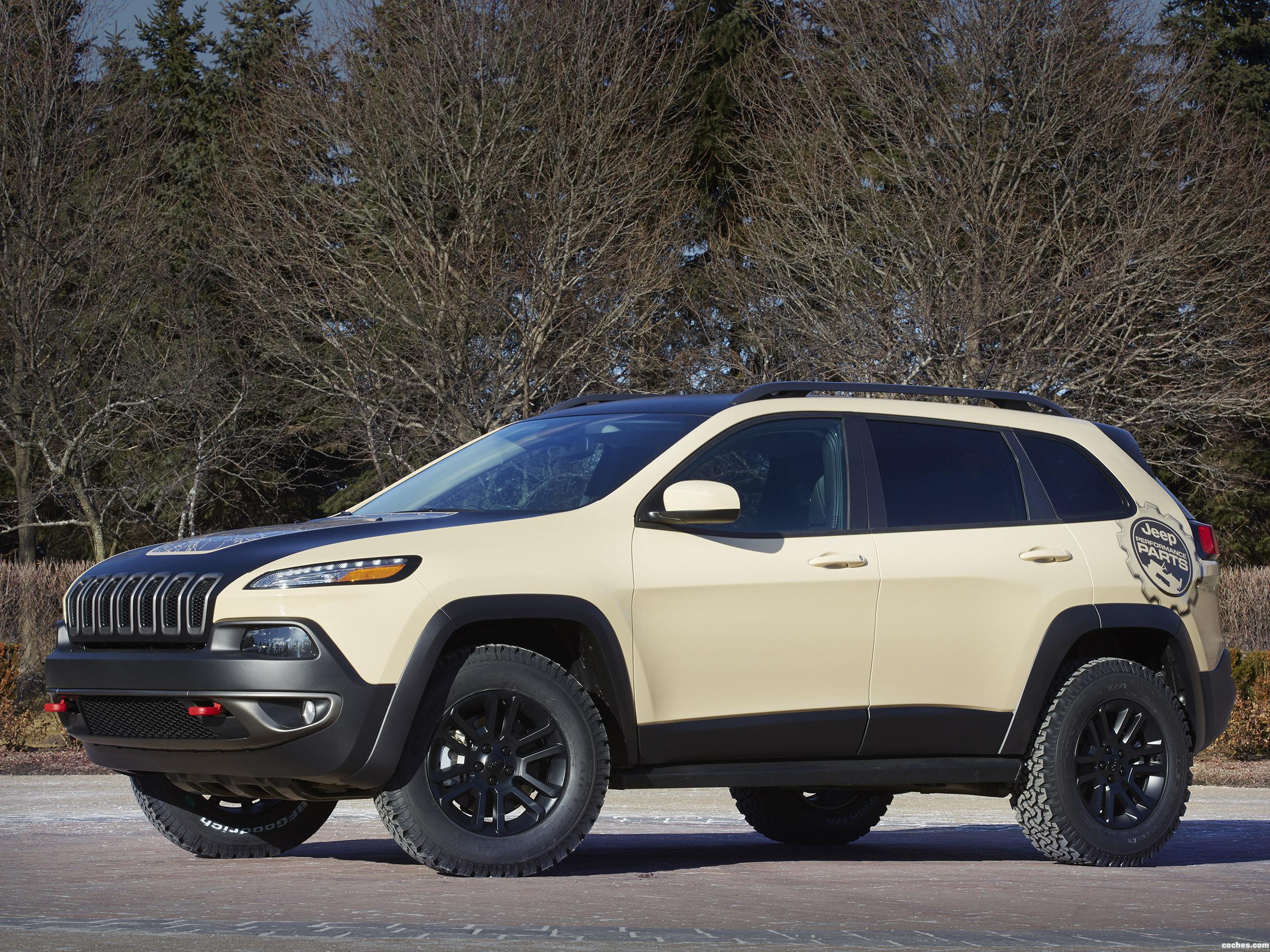 Foto 0 de Jeep Cherokee Canyon Trail Concept 2015