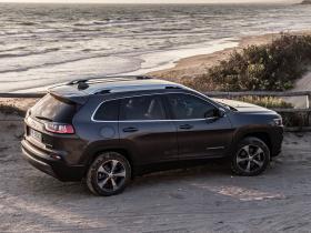 Ver foto 15 de Jeep Cherokee Limited 2018
