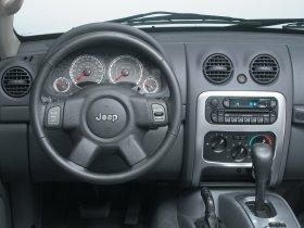 Ver foto 8 de Jeep Liberty 2005