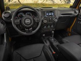 Ver foto 3 de Jeep Wrangler Altitude 2014
