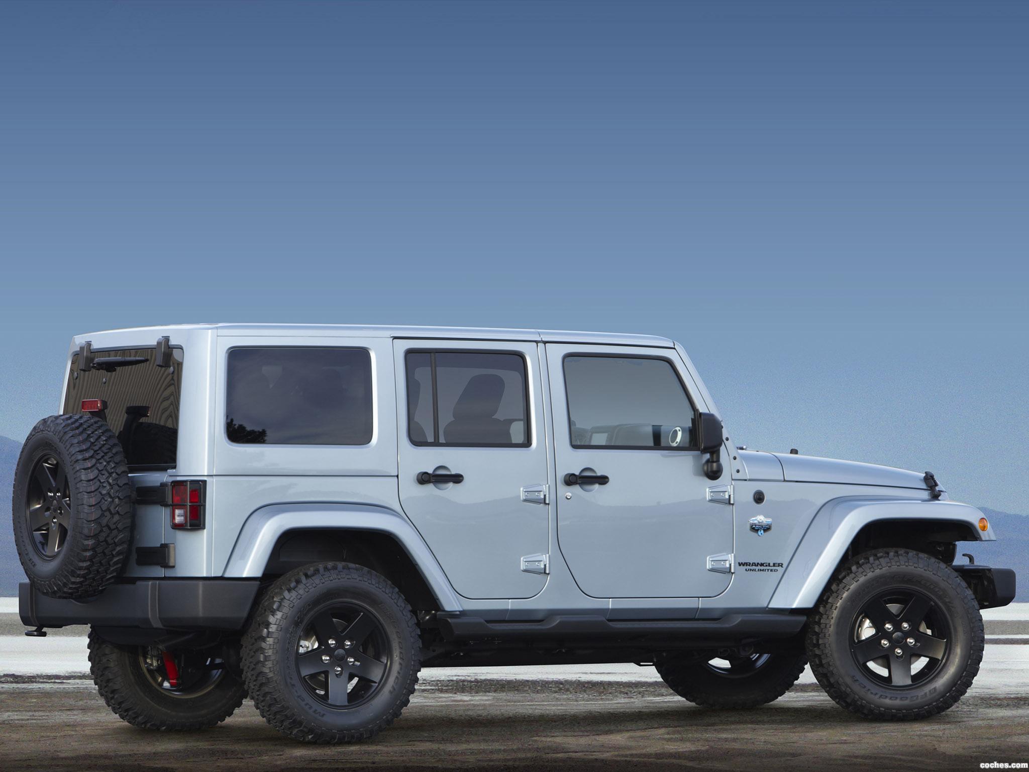Foto 3 de Jeep Wrangler Unlimited Arctic 2012