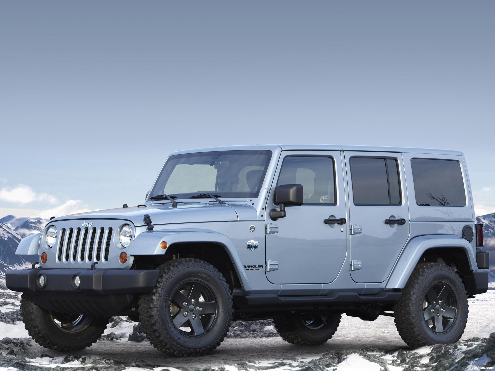 Foto 2 de Jeep Wrangler Unlimited Arctic 2012