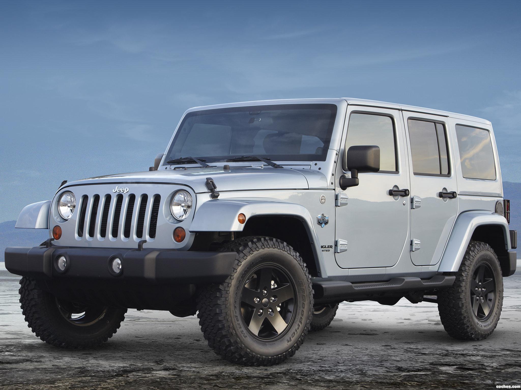 Foto 1 de Jeep Wrangler Unlimited Arctic 2012