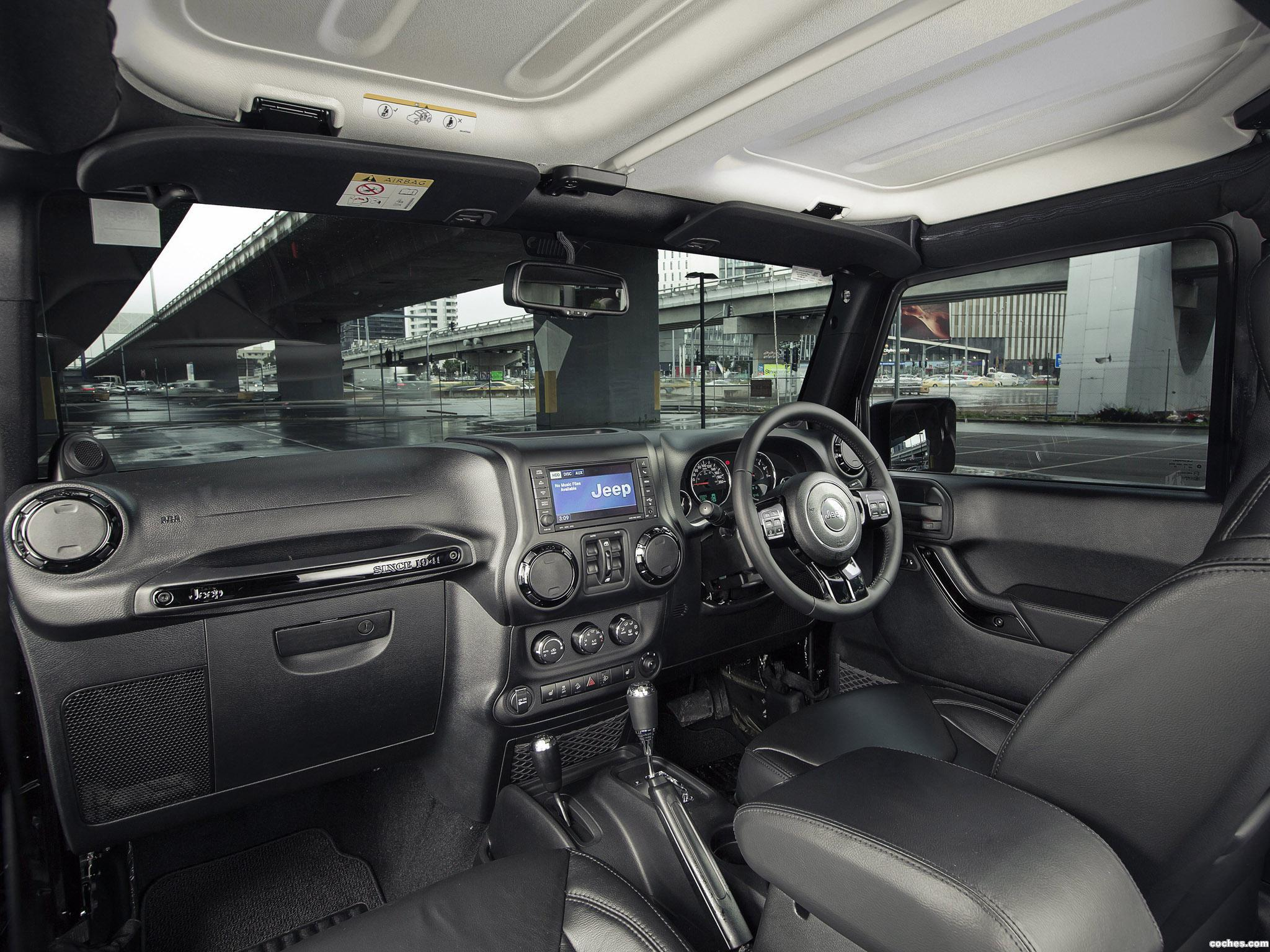 Foto 12 de Jeep Wrangler Unlimited Blackhawk 2015