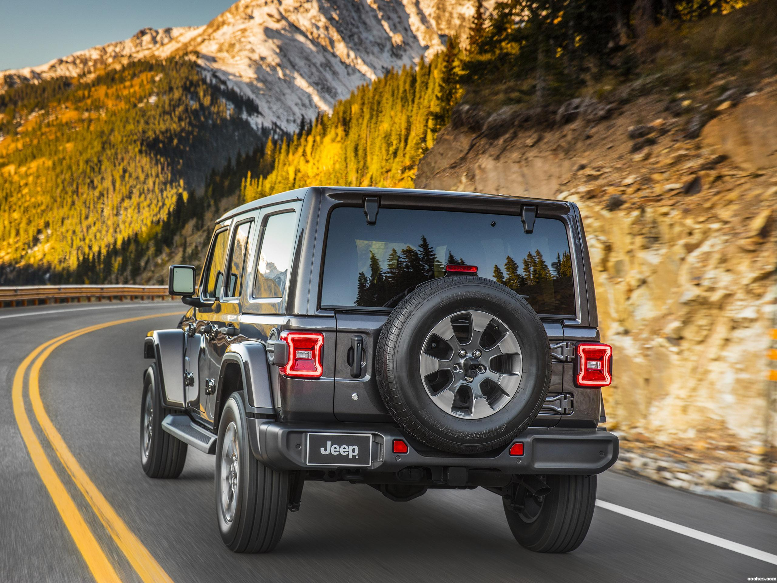 fotos de jeep wrangler unlimited sahara usa 2018 foto 10. Black Bedroom Furniture Sets. Home Design Ideas