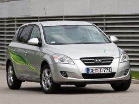 Ver foto 8 de Kia Ceed Hybrid 2008