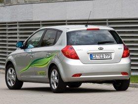Ver foto 7 de Kia Ceed Hybrid 2008