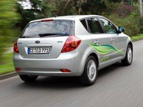 Ver foto 3 de Kia Ceed Hybrid 2008