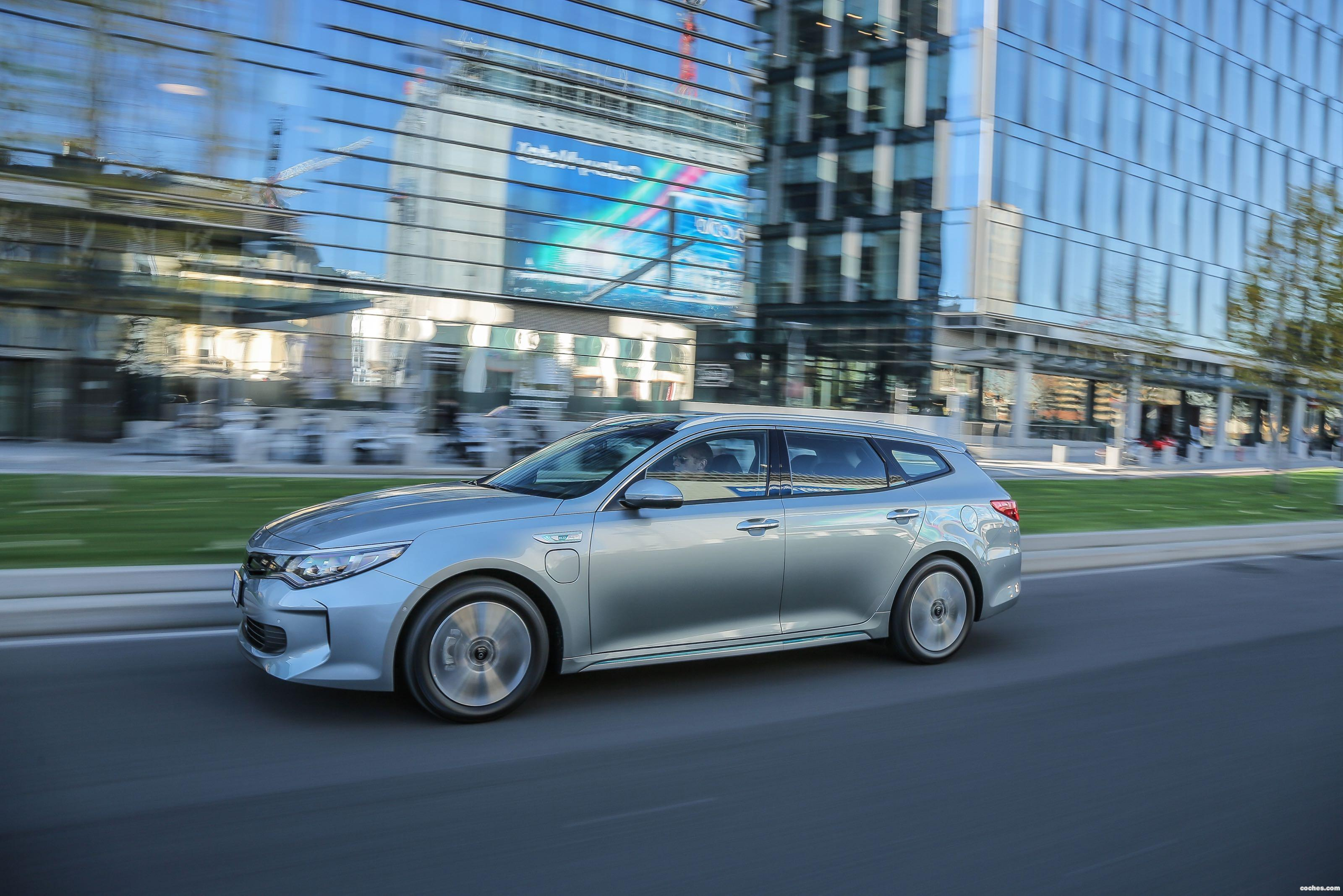 Foto 7 de Kia Optima Sportswagon Plug-In Hybrid 2017