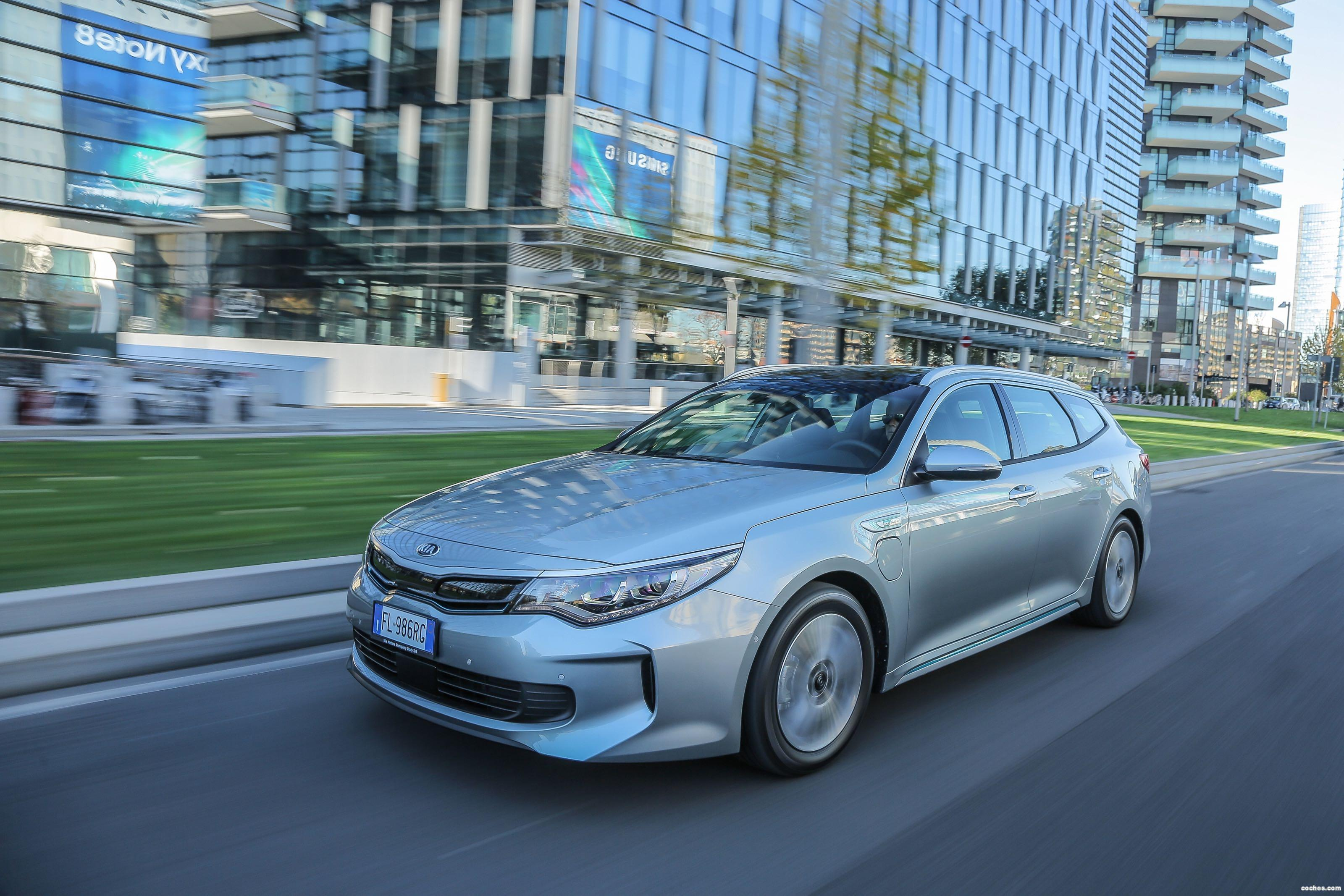 Foto 3 de Kia Optima Sportswagon Plug-In Hybrid 2017