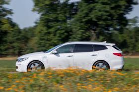 Ver foto 9 de Kia Optima Sportswagon Plug-In Hybrid 2017