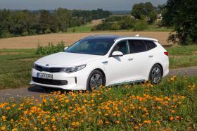 Ver foto 36 de Kia Optima Sportswagon Plug-In Hybrid 2017