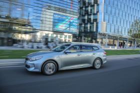 Ver foto 8 de Kia Optima Sportswagon Plug-In Hybrid 2017
