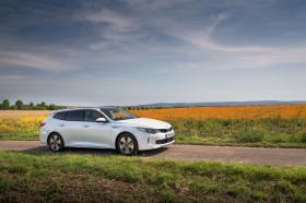 Ver foto 11 de Kia Optima Sportswagon Plug-In Hybrid 2017