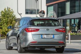 Ver foto 13 de Kia Optima Sportswagon Plug-In Hybrid 2017