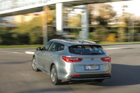Ver foto 34 de Kia Optima Sportswagon Plug-In Hybrid 2017