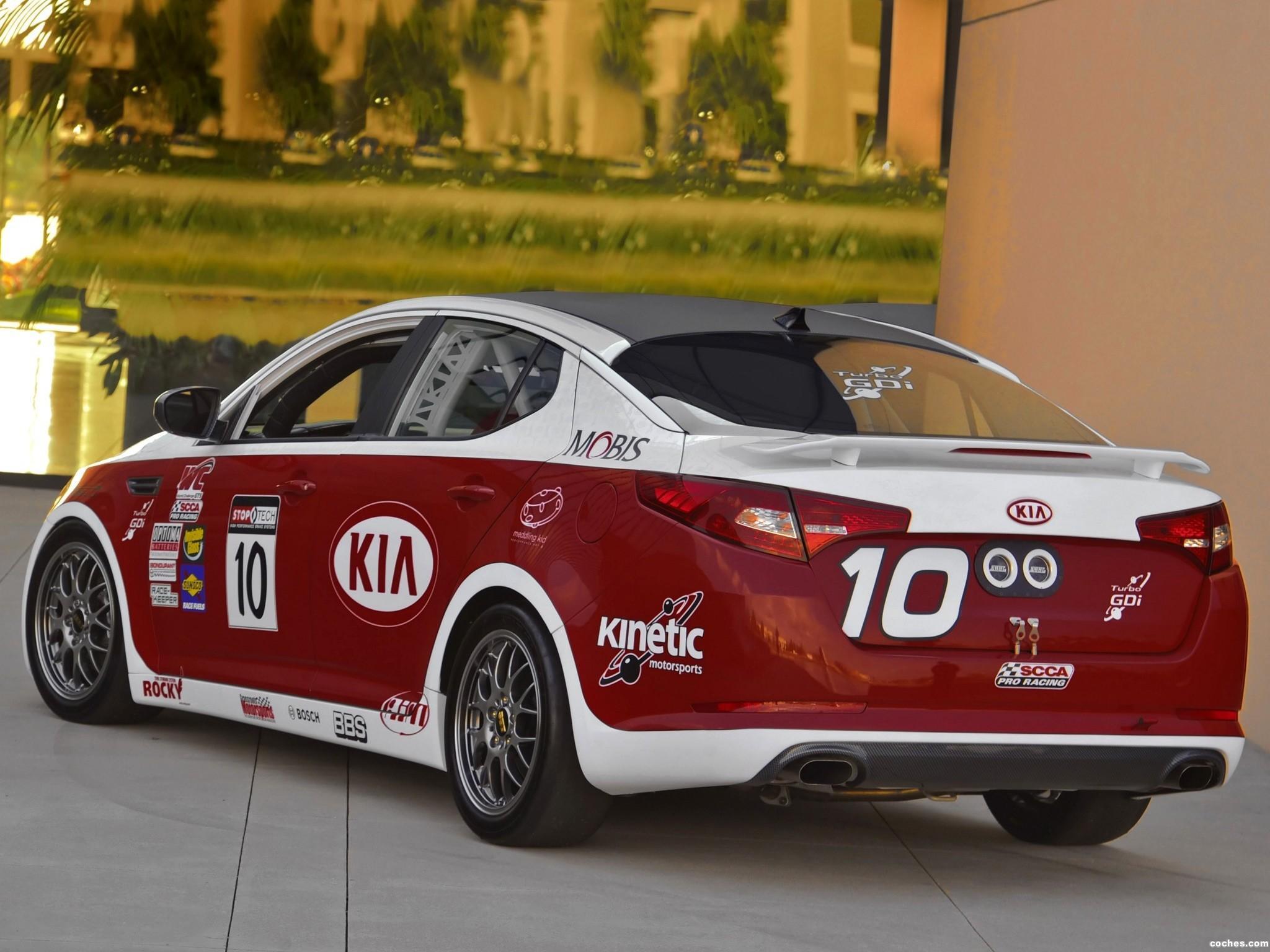 Foto 1 de Kia Optima SX World Challenge GTS Race Car 2011