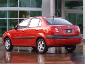 Ver foto 6 de Kia Rio Sedan 2006