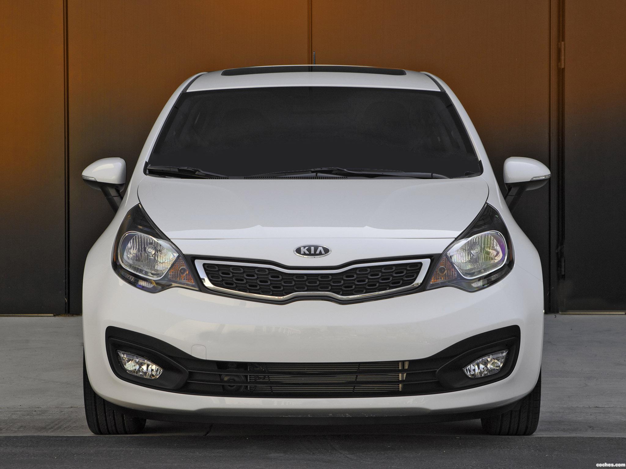 Foto 2 de Kia Rio Sedan USA 2011