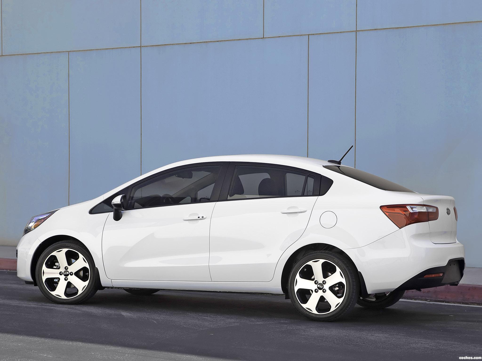 Foto 1 de Kia Rio Sedan USA 2011