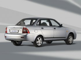 Ver foto 2 de Lada Priora Sedan 2170 2006