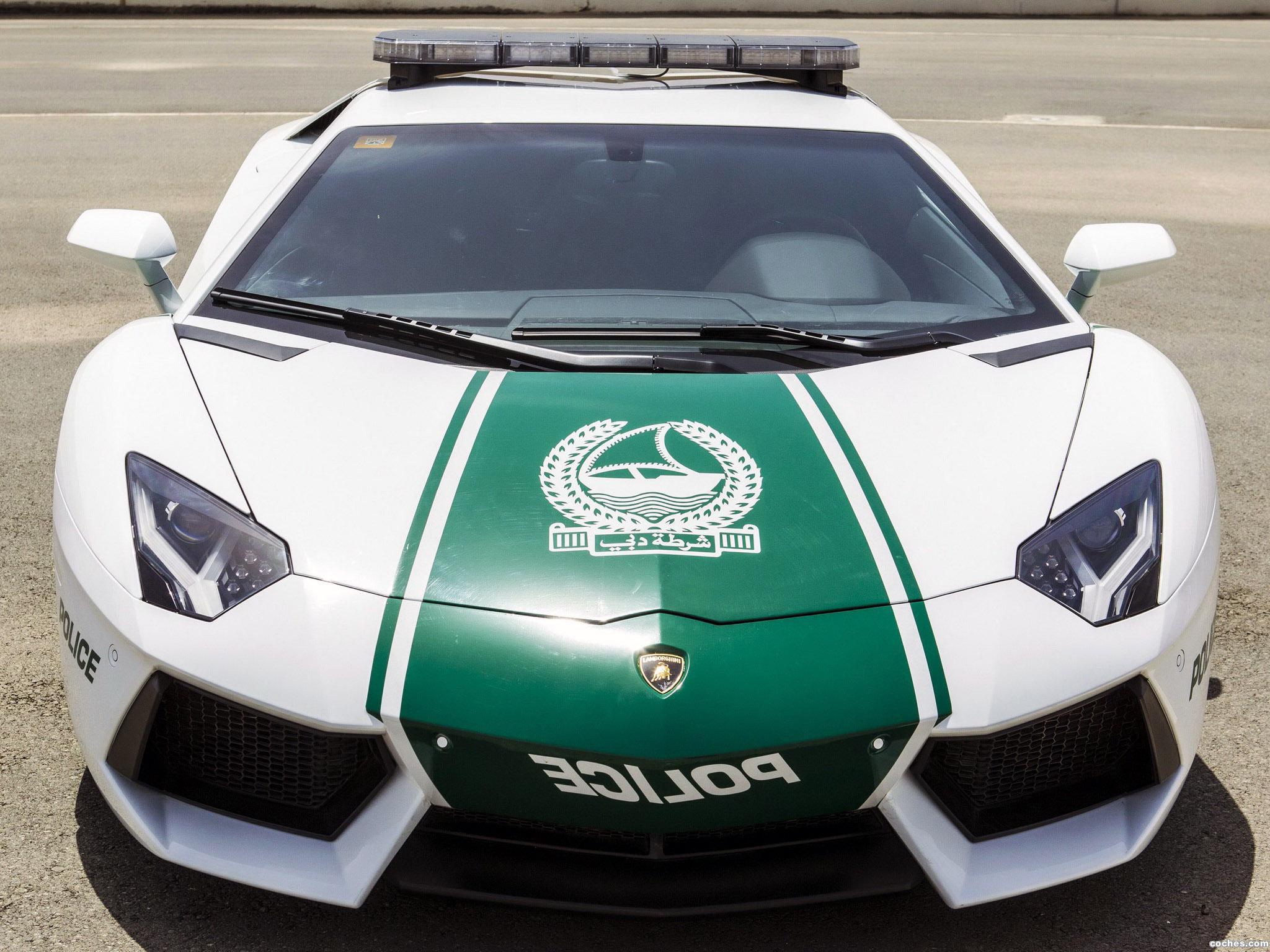 Foto 0 de Lamborghini Aventador Dubai Police Car 2014