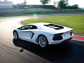 Ver foto 31 de Lamborghini LP700-4 2011