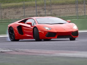 Ver foto 28 de Lamborghini LP700-4 2011