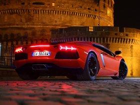 Ver foto 22 de Lamborghini LP700-4 2011