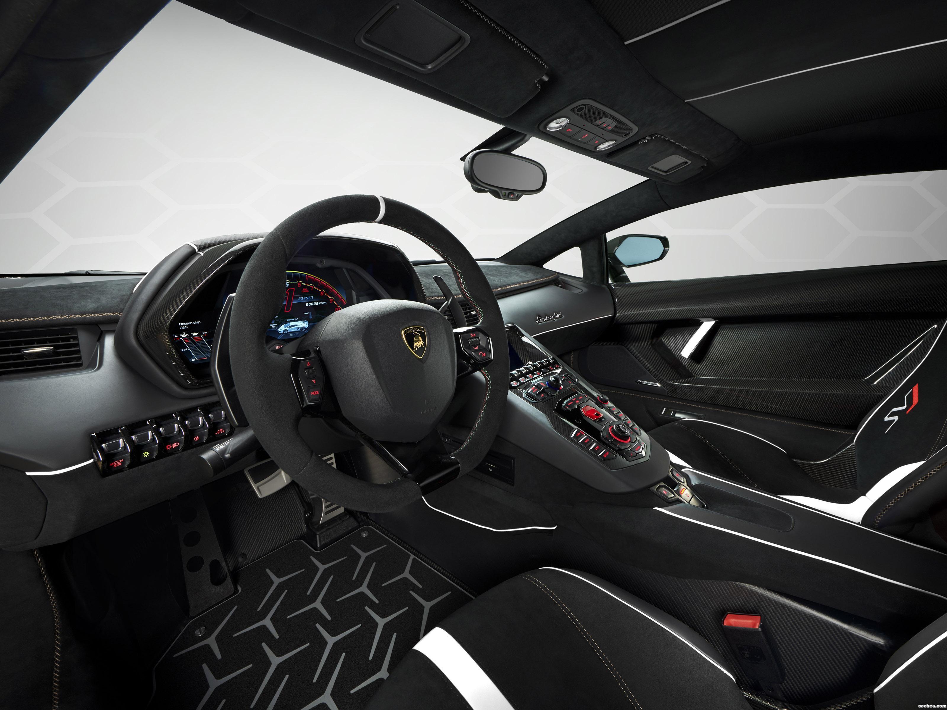 Foto 10 de Lamborghini Aventador SVJ 63  2018