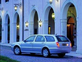 Ver foto 4 de Lancia Lybra 1999
