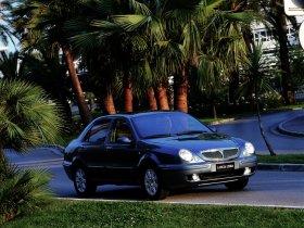 Ver foto 1 de Lancia Lybra 1999
