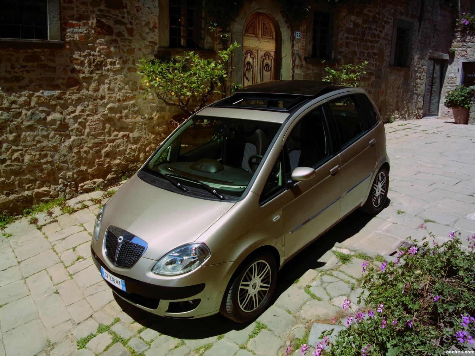 Foto 2 de Lancia Musa 2004