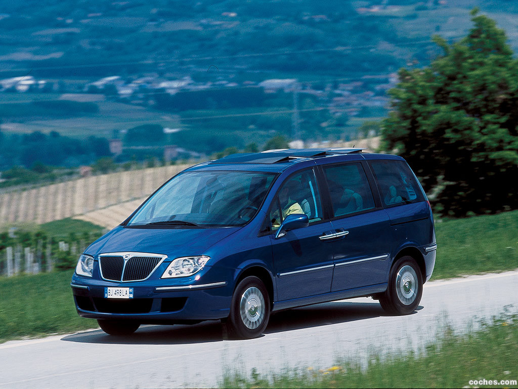 Foto 0 de Lancia Phedra 2002