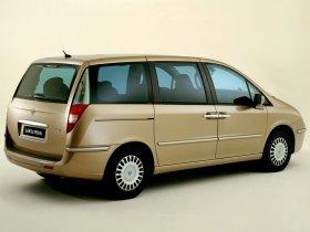 Ver foto 8 de Lancia Phedra 2002