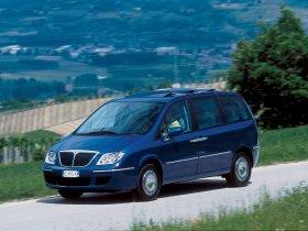 Ver foto 1 de Lancia Phedra 2002