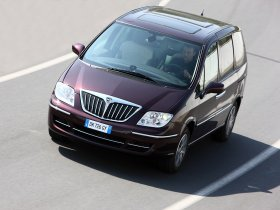 Ver foto 3 de Lancia Phedra Facelift 2008