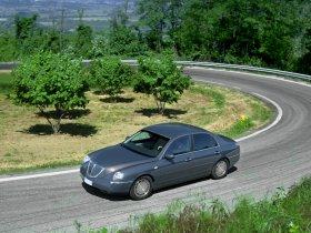 Ver foto 2 de Lancia Thesis 2002