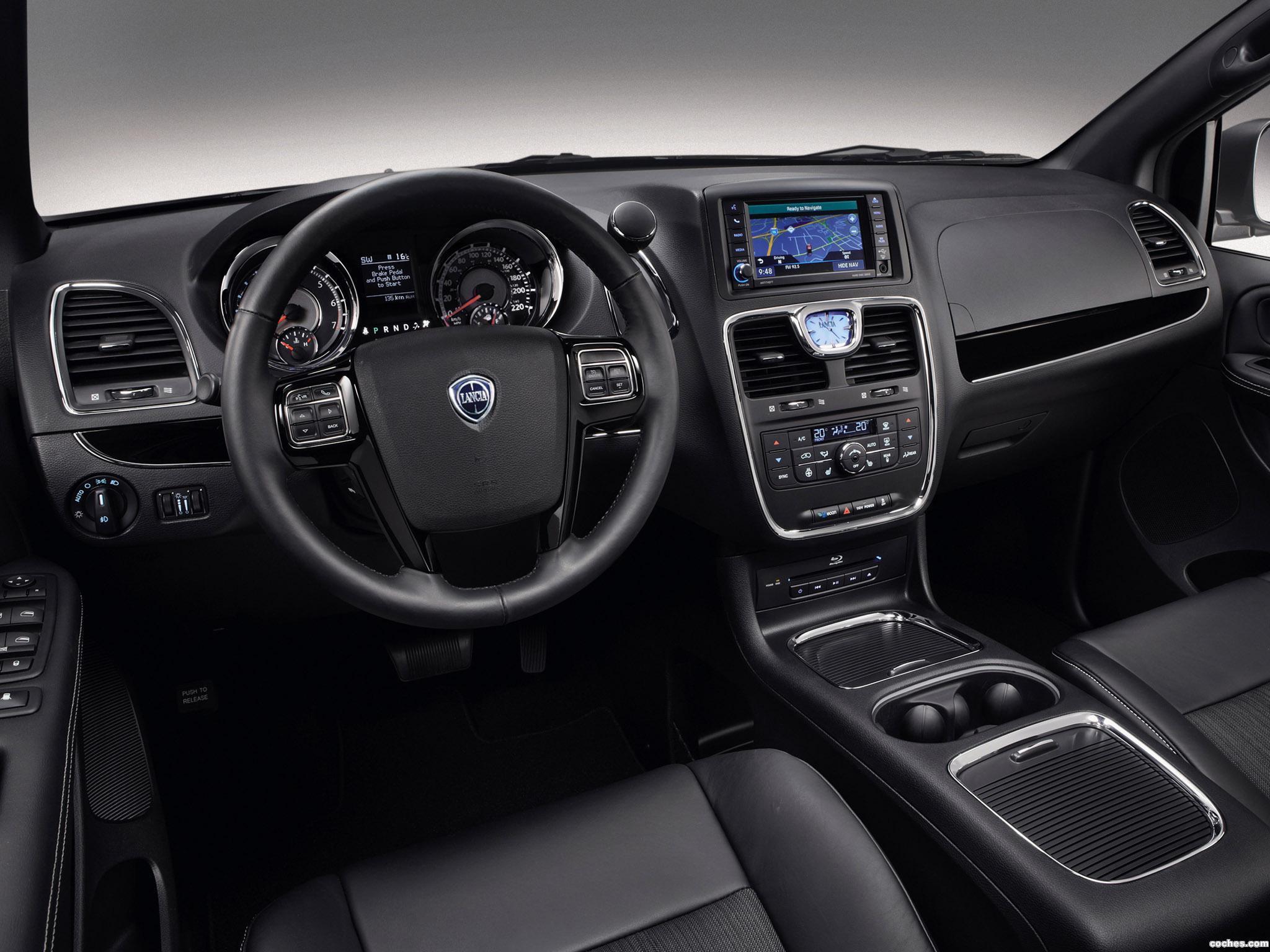 Foto 3 de Lancia Voyager S 2013