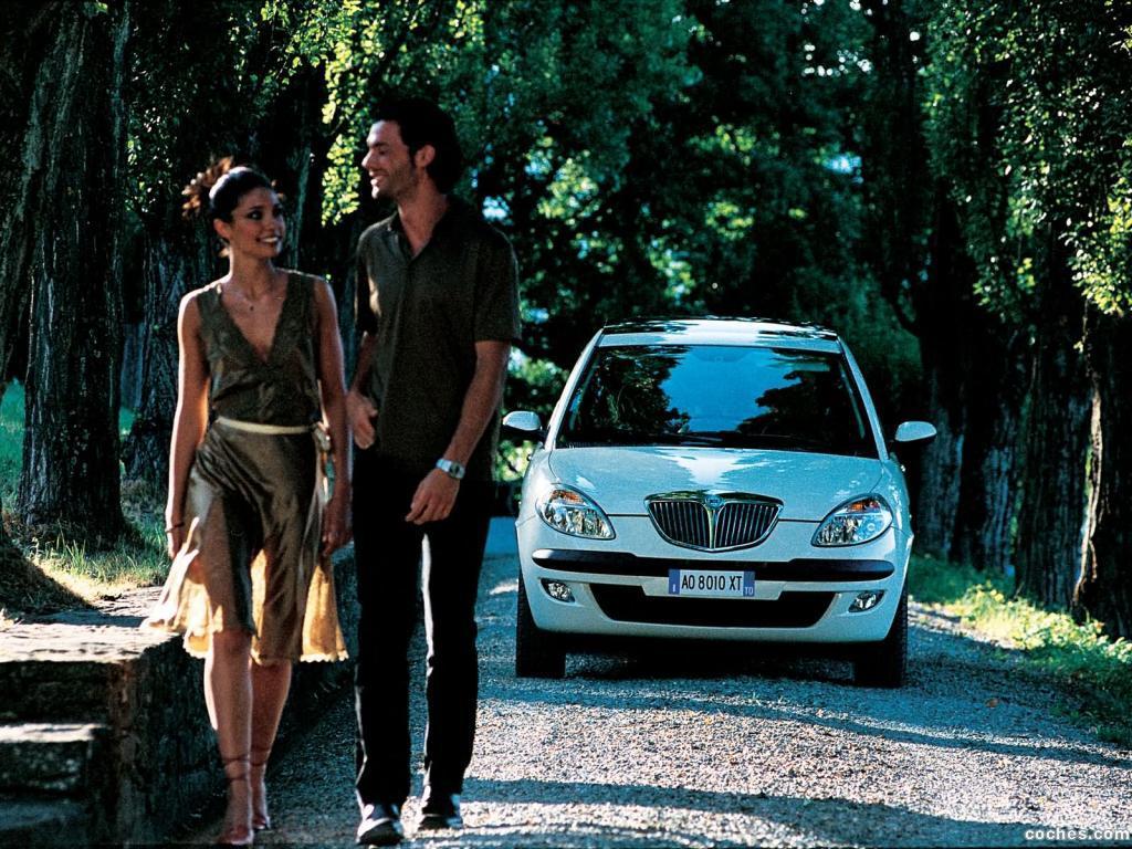 Foto 10 de Lancia Ypsilon 2003