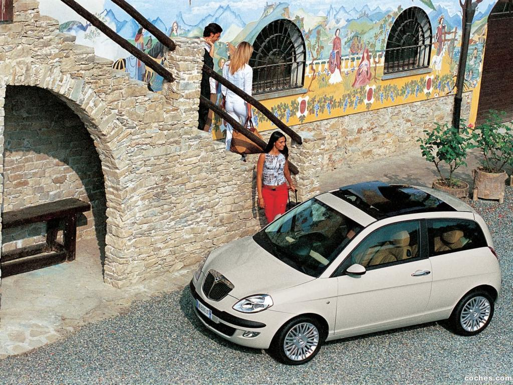 Foto 3 de Lancia Ypsilon 2003
