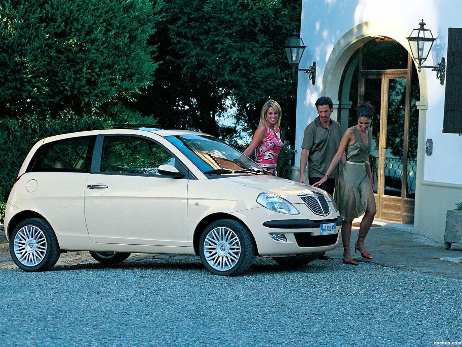 Foto 8 de Lancia Ypsilon 2003