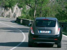 Ver foto 3 de Lancia Ypsilon Sport MOMO Design 2007