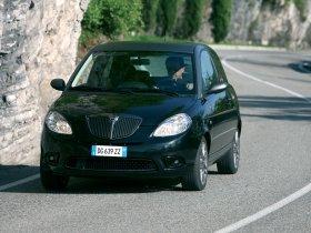 Ver foto 2 de Lancia Ypsilon Sport MOMO Design 2007