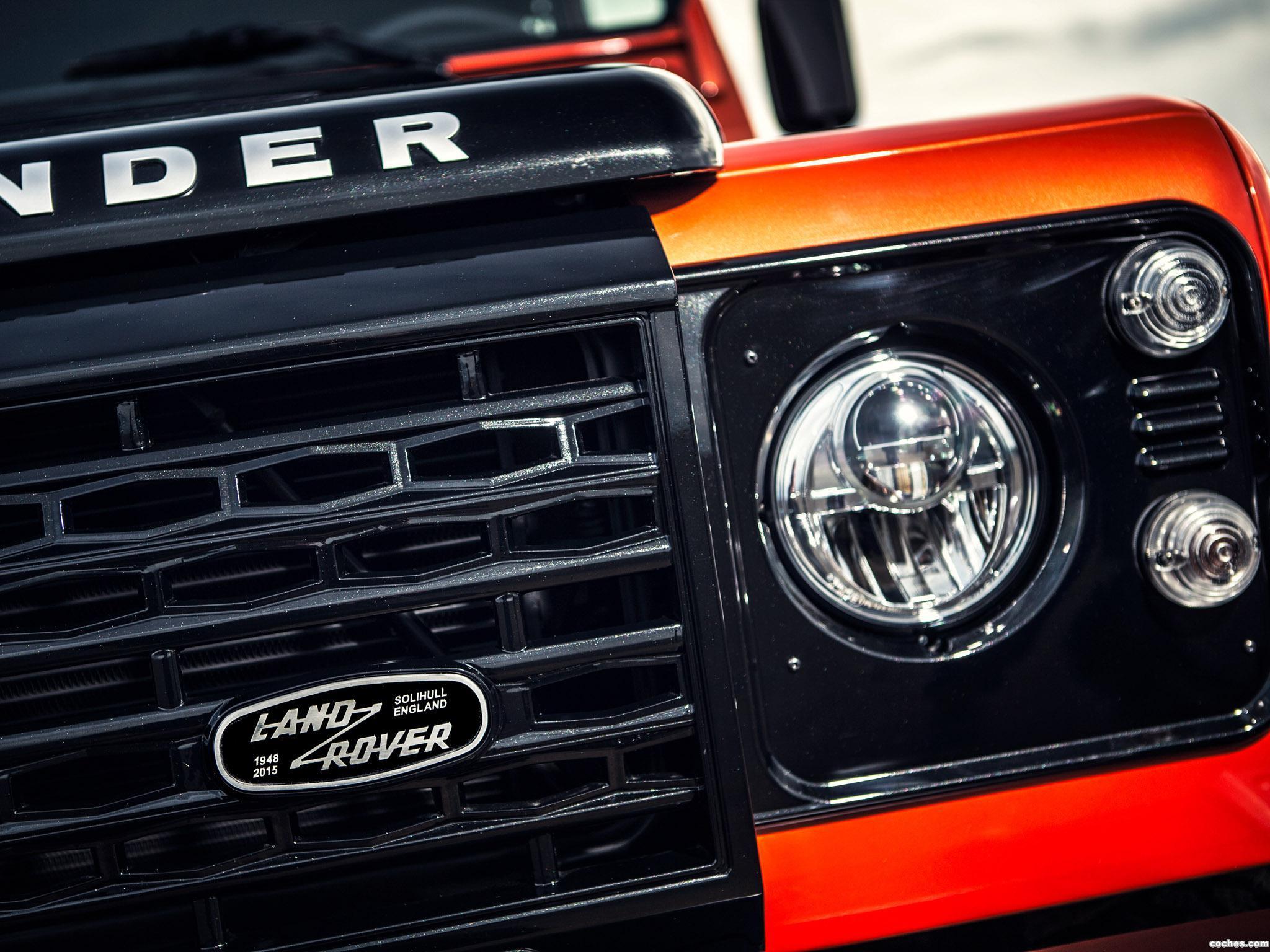 Foto 3 de Land Rover Defender 110 Adventure 2015