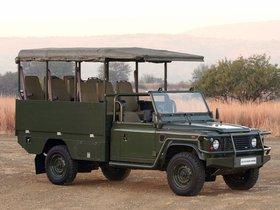 Fotos de Land Rover Defender 130 Safari Vehicles