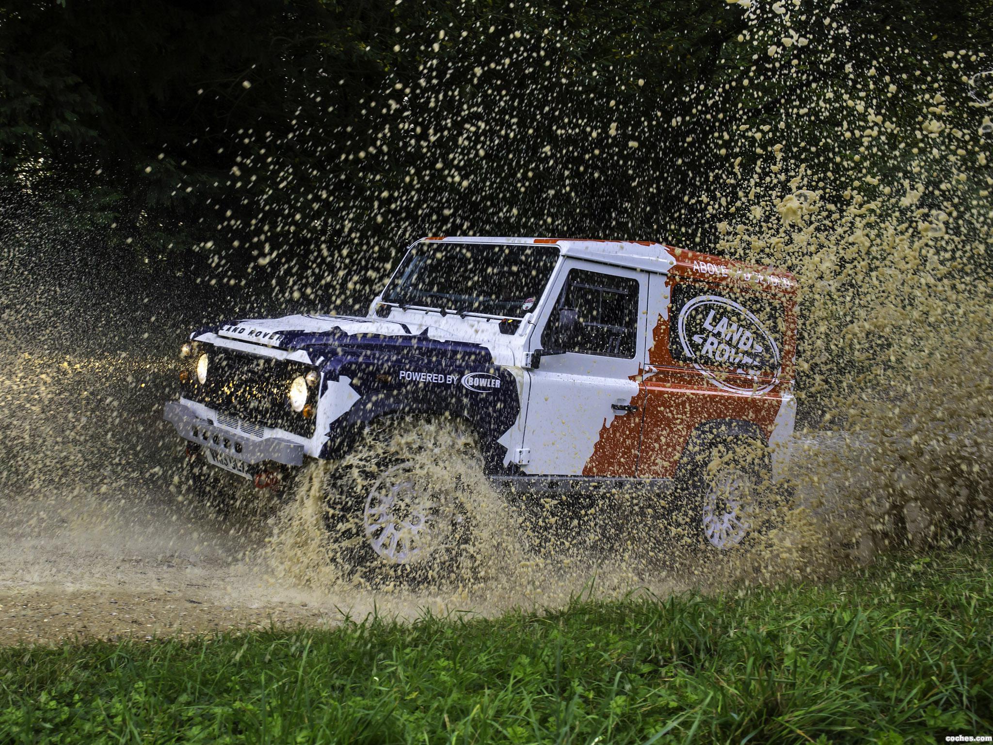 Foto 12 de Land Rover Defender Challenge by Bowler 2014