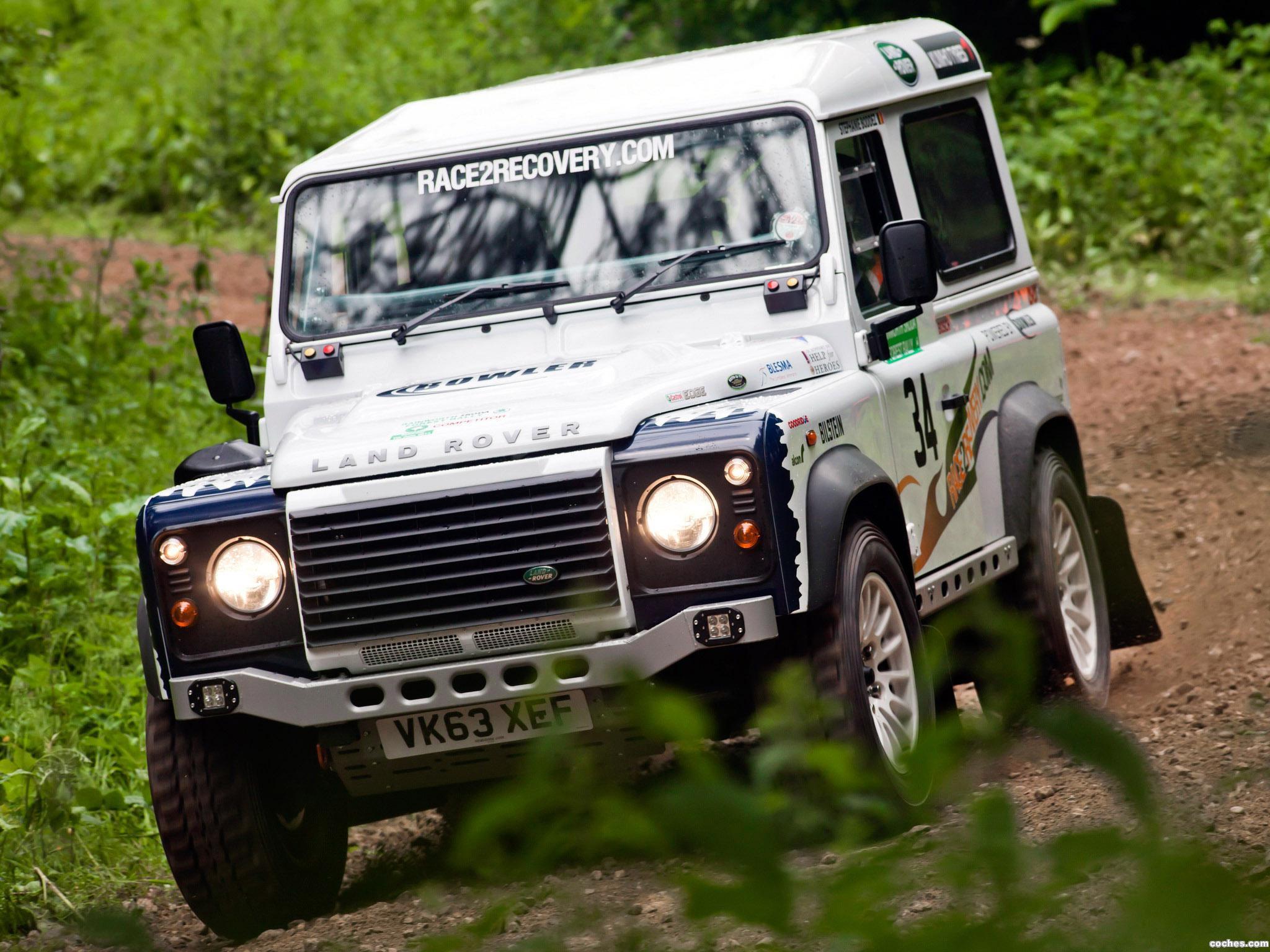 Foto 9 de Land Rover Defender Challenge by Bowler 2014