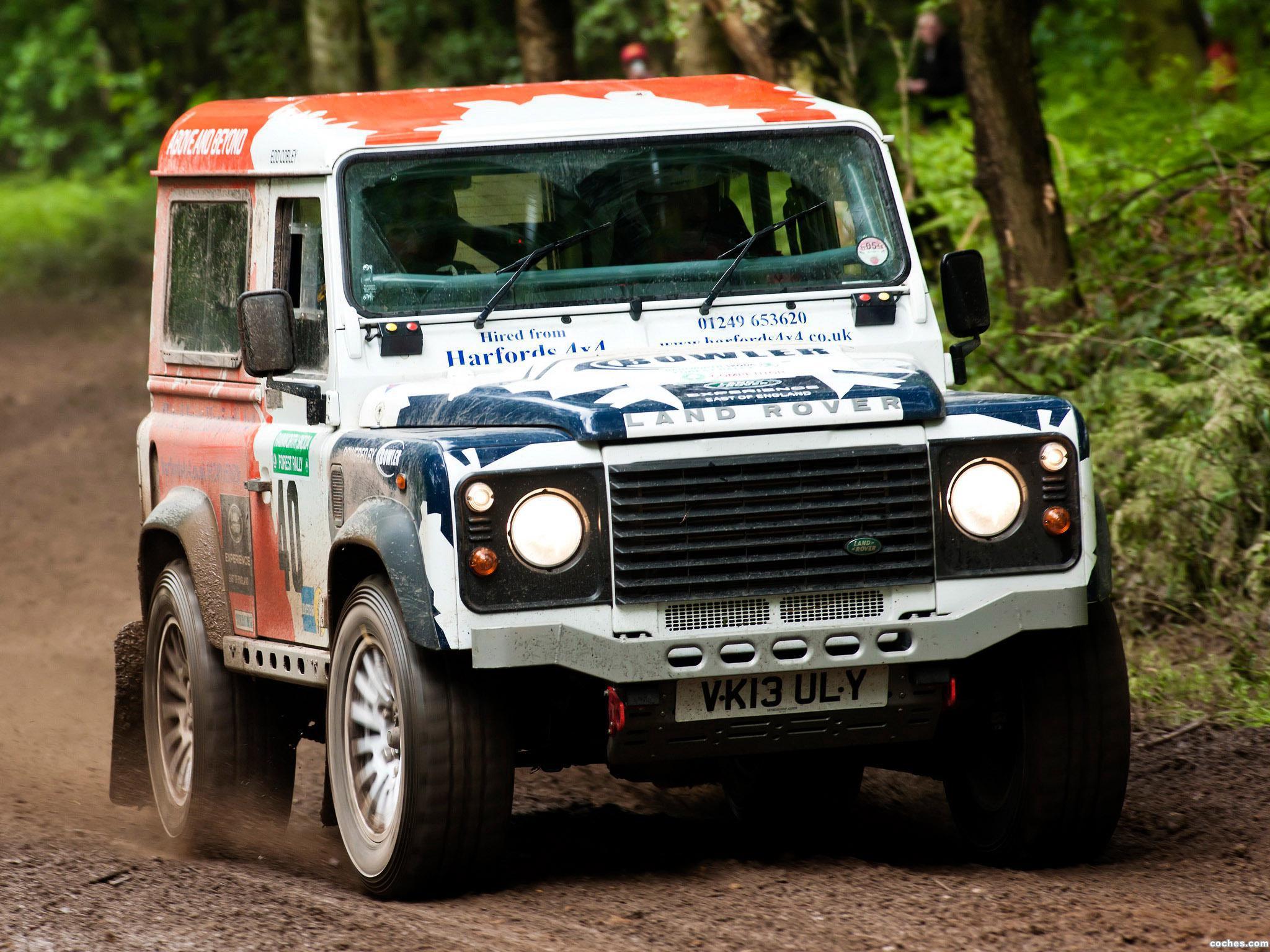 Foto 0 de Land Rover Defender Challenge by Bowler 2014